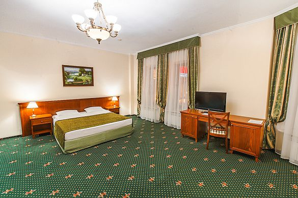 JUNIOR  SUITE (HALF-LUX) WITH ONE KING SIZE DOUBLE BED